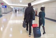 影/桃園機場過境轉機禁令解封 首日僅4名旅客轉機