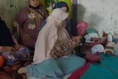 印尼女稱「風吹進子宮」懷孕產女 前夫打臉:孩子是我的