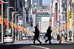 疑防疫疲乏 日本東京鬧區週末湧人潮