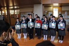獲贈福袋 福島學童:感謝台灣仍為我們加油