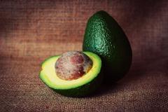 網傳酪梨可治退化性關節炎? 專家:這樣吃才健康