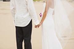 過來人分享娶越南老婆經驗 網見合照歪樓:太正了吧