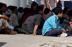 移民擠爆收容所 美民眾不滿拜登佛心