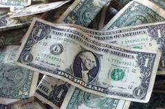 美元跌至兩周低位 鮑爾淡化通膨風險