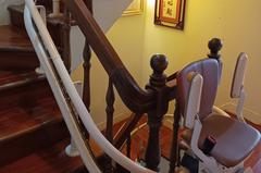 熟年如何安居/樓梯間裝升降椅 比買電梯房划算