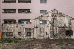 刻在牆上的廢墟!鄰戶拆除後仍陰魂不散 網友驚:家的幽靈