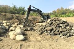 挖3.5公頃盜採鵝卵石 6嫌送辦