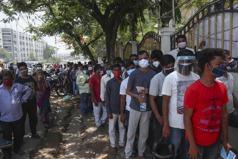 新增確診數降至兩個月來新低 印度將部分解封