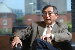 高端疫苗通過EUA 前衛生署副署長張鴻仁:藥政防疫史的里程碑