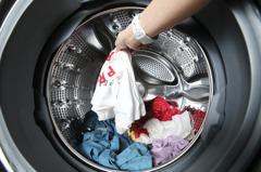 內褲和襪子該分開洗?情侶吵翻怨「浪費水」 網曝解決方法