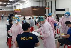 基隆醫院前進港務大樓 3天為近2800名港務人員接種疫苗