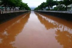台中海線大雨 港區排水成黃河居民憂上游有濫墾