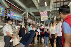 為防周末採買人潮 高雄蚵仔寮場內管控不超過120人