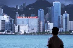 黨慶來了快逃?香港國安法周年的「武官治港」與移民離散潮