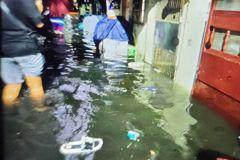 雨炸桃園!大溪時雨量73毫米 僑興新村淹水50公分