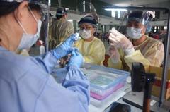 南投縣醫護總動員 不到一星期疫苗接種率超過九成