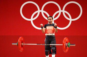 舉重/5度參加奧運 巴紐掌旗官圖阿史上第1人