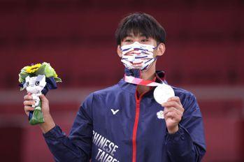 楊勇緯柔道奪奧運隊史首銀 獎牌榜暫列第12
