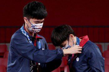 桌球/小將林昀儒摘銅依然冷靜 看到鄭怡靜哭有點尷尬