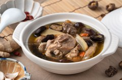 食譜/清香好喝香菇雞湯,運用電鍋輕鬆煮