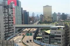 高架橋是房價殺手?三豪宅每坪突破200萬元