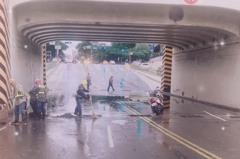 西南風強降雨台南永康雨量破74毫米 全市22萬砂包待命