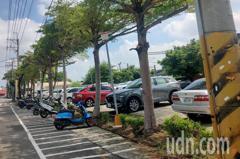 台南善化火車站建免費停車場遭許多車主佔用 將改收費