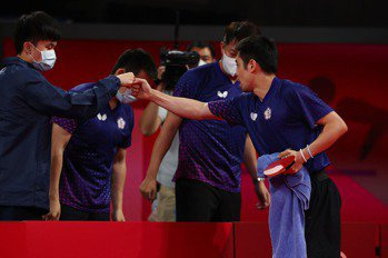 桌球/莊智淵不再是一個人 男雙團體賽林昀儒這動作引網淚崩