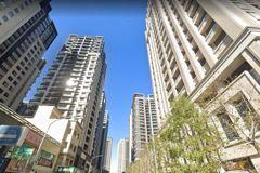 新竹哥買新屋問30年舊屋「該留著收租或賣掉?」 網給答案了