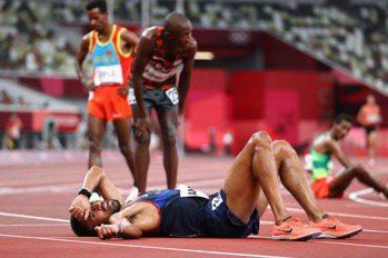 田徑/太惡劣!法國馬拉松跑者補給打翻所有水瓶 竟不讓他人喝水?