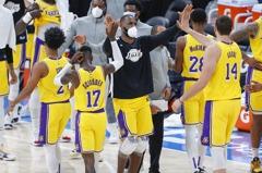 NBA/湖人感謝離隊「9條好漢」 詹姆斯成最資深紫金軍