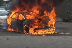 荷蘭一輛Volkswagen ID.3電動車不明原因起火燃燒?!