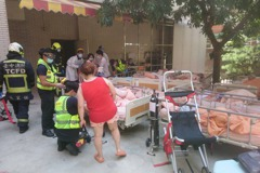 台中長照護理之家頂樓起火 警消急撤離21位住民3人送醫