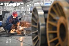 財新8月大陸製造業PMI降至49.2 生產、需求雙萎縮