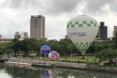 影/高雄愛河熱氣球試飛成功 民眾10月可購票搭乘