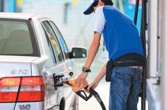 中油:20日起汽油漲0.1元 柴油降0.1元