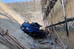 水湳經貿園區傳工安意外 工人連人帶車墜落18公尺深工地