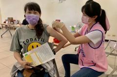 台大專家預估新冠肺炎「感冒化」 疫苗未來可能要這樣打