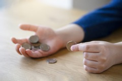 為建立7歲兒理財觀 媽媽要他自付房租、電費和上網費