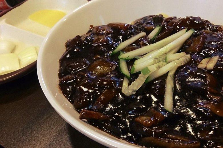 吃什麼「炸醬麵」?韓國的麵食地景與政治