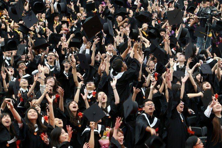學生出逃,哲學系的下一步怎麼走?