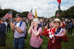 拜登領導之下 民調:54%認為美國「更不團結」