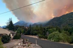 南加內陸山火面積近2500畝 當地居民陸續撤離
