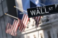 美股收低道瓊大跌548點 標普500指數1年半來最糟