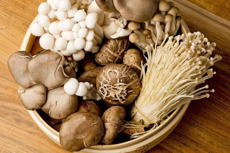 香菇是素食年菜重要的角色之一。 圖片/shutterstock
