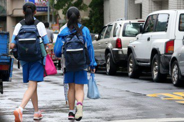 台灣教育翻轉思考之四》什麼樣的父母,養出什麼樣的教育部