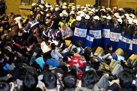 323佔領行政院,一場等待中的衝撞