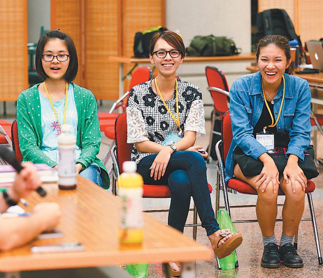 移民署日前首度針對新二代舉辦人才培育研習營,讓平日沒有太多機會與同儕講母語的新二...