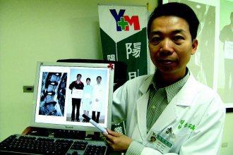 李孔嘉醫師說,劉姓國一學生經脊椎微創手術後,1小時即可下床,第二天就去上課了,復...