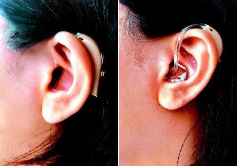 左:開放式耳掛型:外觀如同情治人員的耳機,外型精巧,大小如隨身聽耳機;較無耳內配...